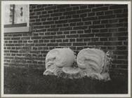 Binnenrust - gebeeldhouwde stenen