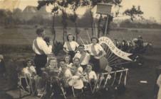 Korfballers optocht 1947